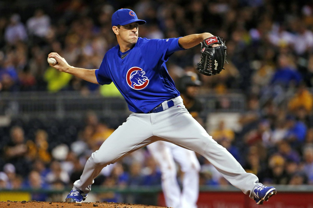Kyle Hendricks extends mastery, Kris Bryant tops 100 RBIs in Cubs' 100th win