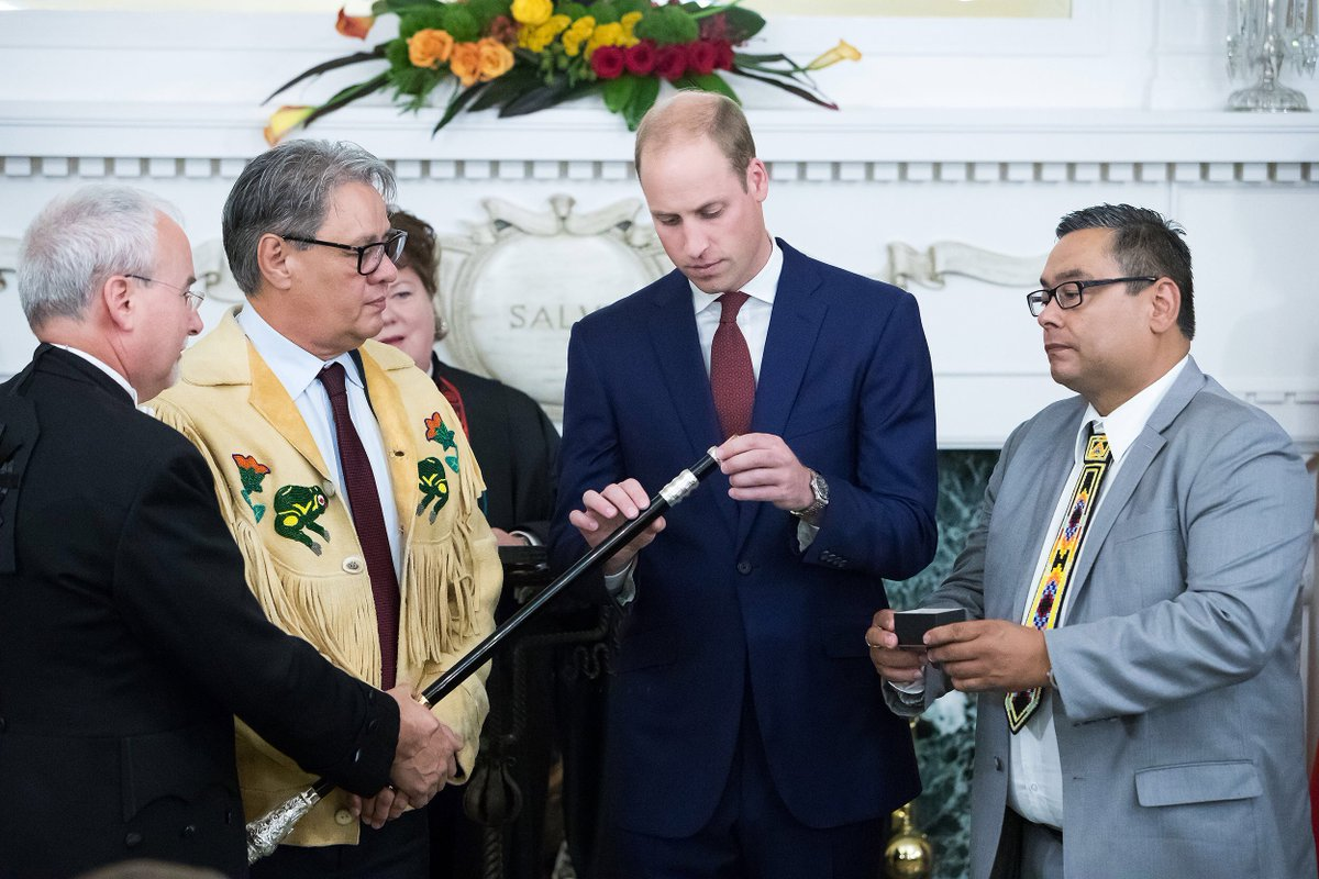 The Duke installed a ring on #BC's Black Rod symbolizing reconciliation. #RoyalTourCanada #RoyalVisitCanada https://t.co/yfIPs0IL7G