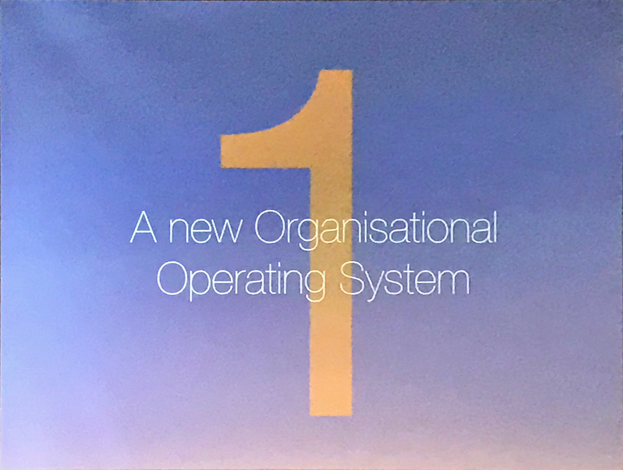 At #ioms16, @leebryant shows the new operating system of business: from #verticals to horizontally integrating #API. https://t.co/fffLJJuPDk