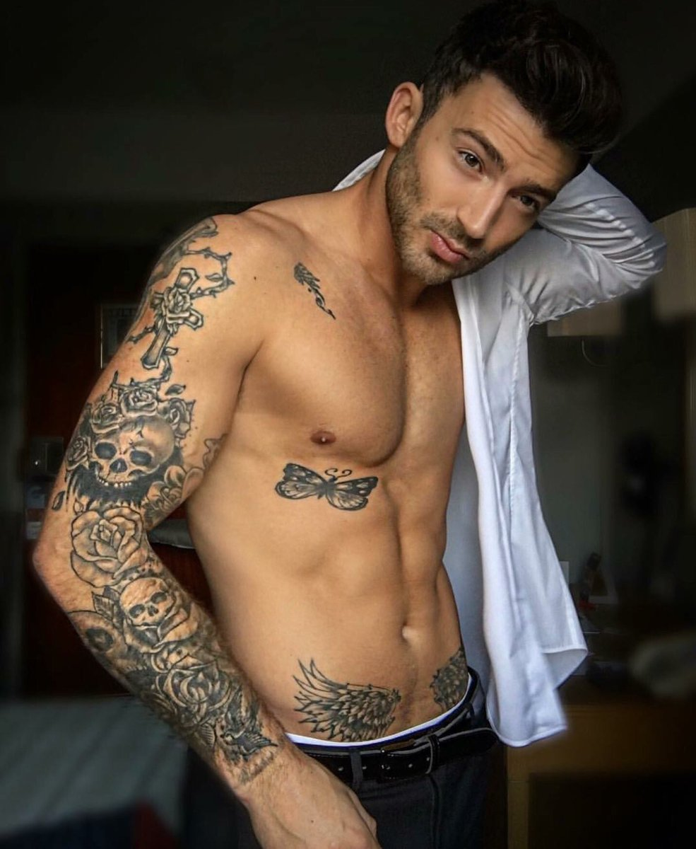 from Harper famous hot guys with tattos