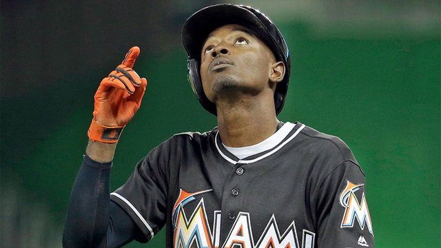 Dee Gordon pays tribute to Jose Fernandez with emotional home run