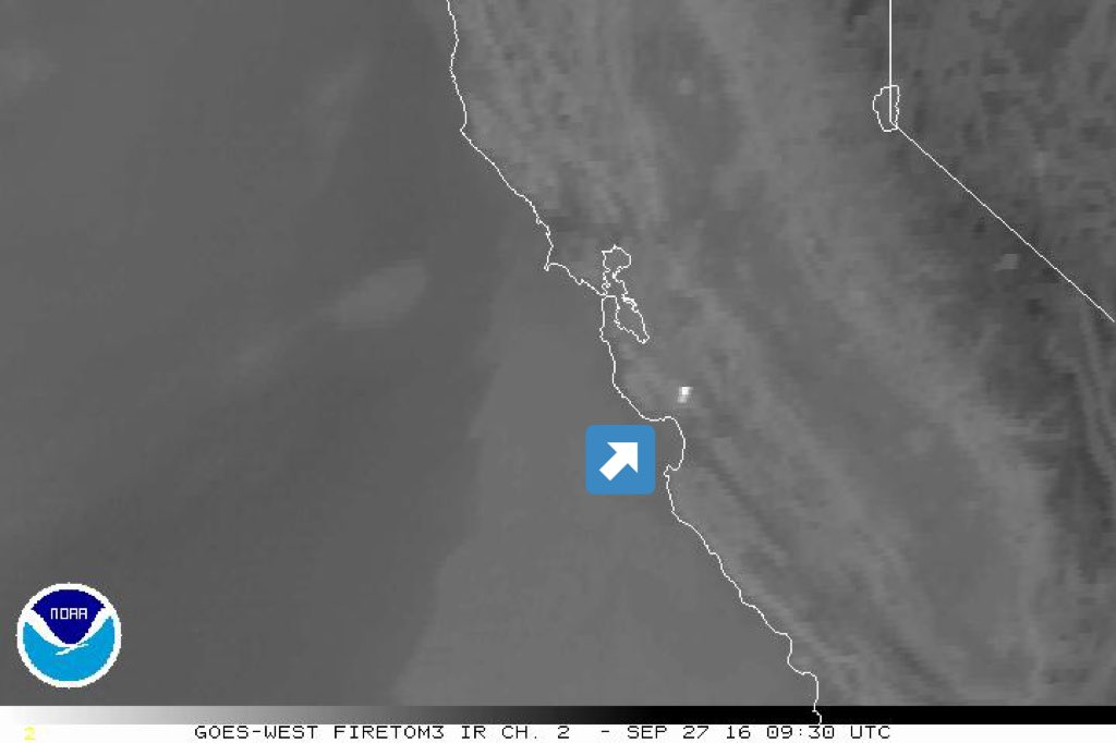 Overnight infrared satellite imagery picking up LomaFire (white) and stratus approaching coast CAwx