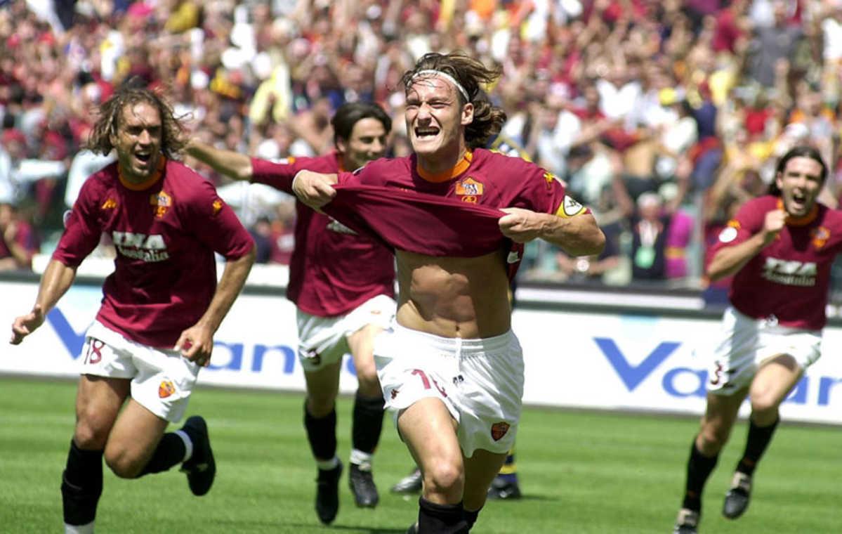 Картинки по запросу as roma scudetto 2001
