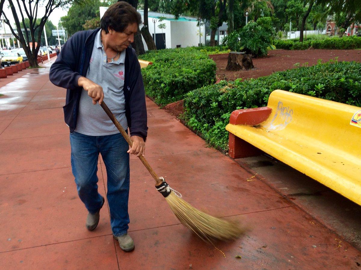 Limpian parques y jardines reincidentes de juzgados cívicos
