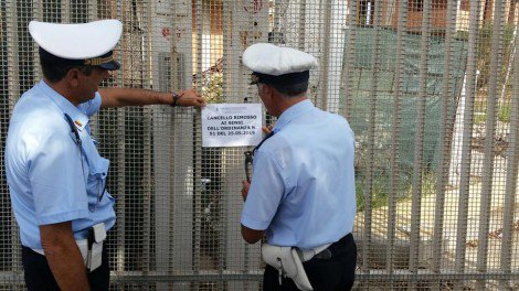 Condominio impedisce accesso al mare, rimosso il cancello (FOTO) - https://t.co/9jYbzpJGag #blogsicilianotizie