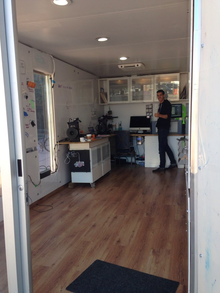 .@betaboxlabs' ideation & prototyping lab inside a shipping container. #IXDS16 https://t.co/hbsnrG26vi