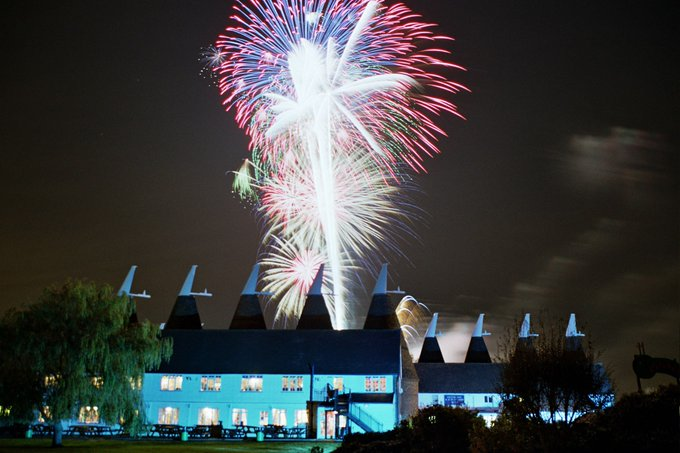 Tickets now on sale for our Fireworks Spectacular for just £7 Under 3's free! https://t.co/SlQB7hRy9g https://t.co/VxPjUBu8lE