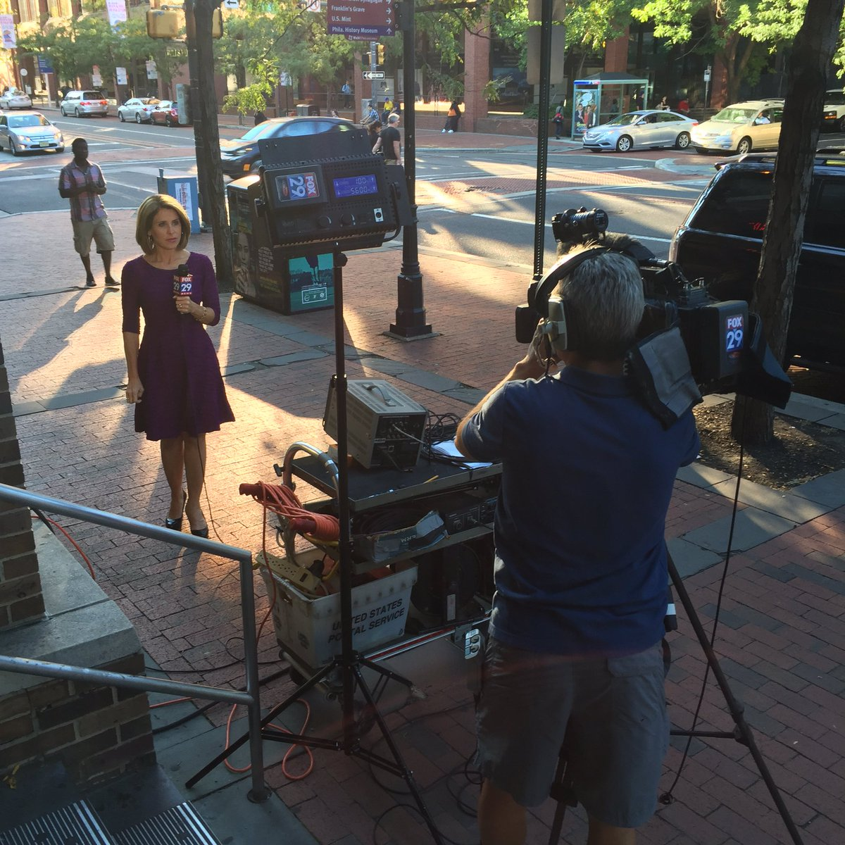 Did you catch @KathyOrrFOX29 outside on this beautiful day in Old City? Can you believe rain is on the way?!