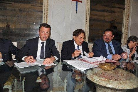 Accordo Regione-Eni per potenziare il porto rifugio di Gela, ... - https://t.co/YibpqAIrbw #blogsicilianotizie