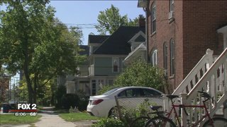 Armed suspects rob University of Michigan students inside apartment, reports @FOX2Hannah