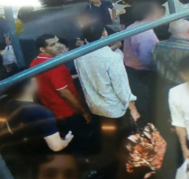FBI releases new image of men who walked away w/ bag containing pressure cooker bomb on 27th Street.