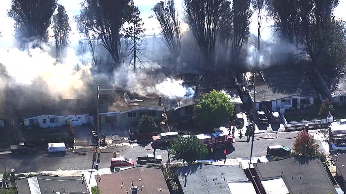 Fire burns at least 4 homes in Petaluma near Stuart Drive.