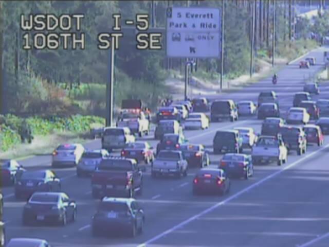 Earlier crash SB I-5 just after SR 526 causing extra traffic in Everett area. Crash scene on left shoulder.