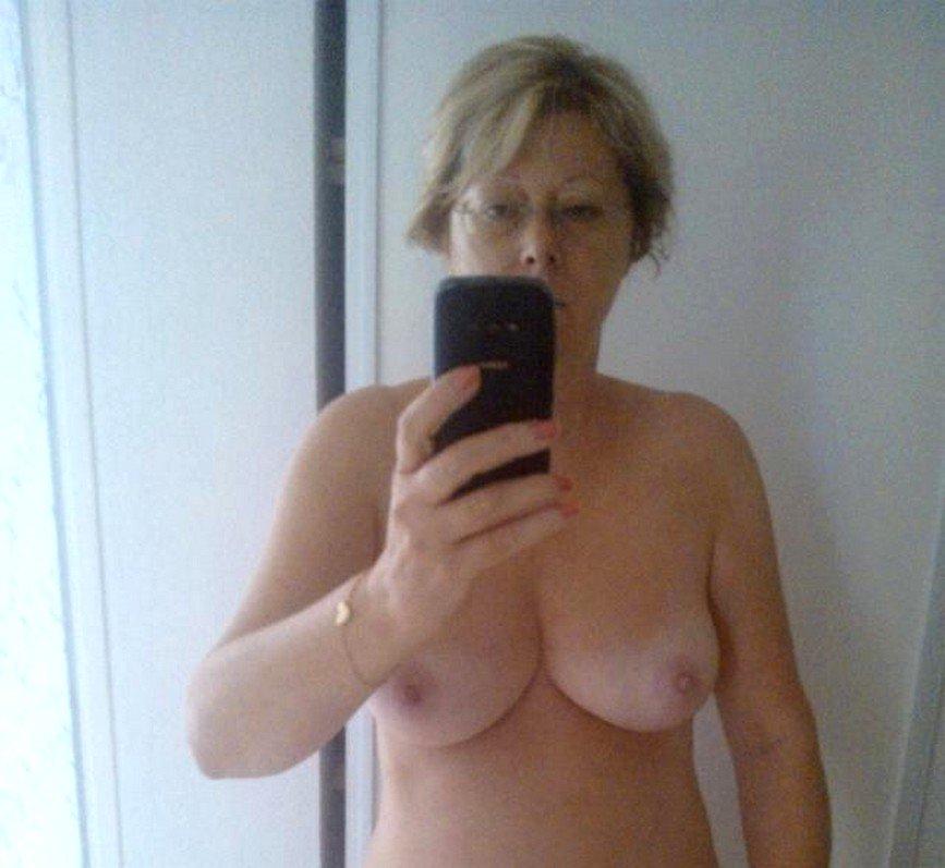 Nude Selfie 8708