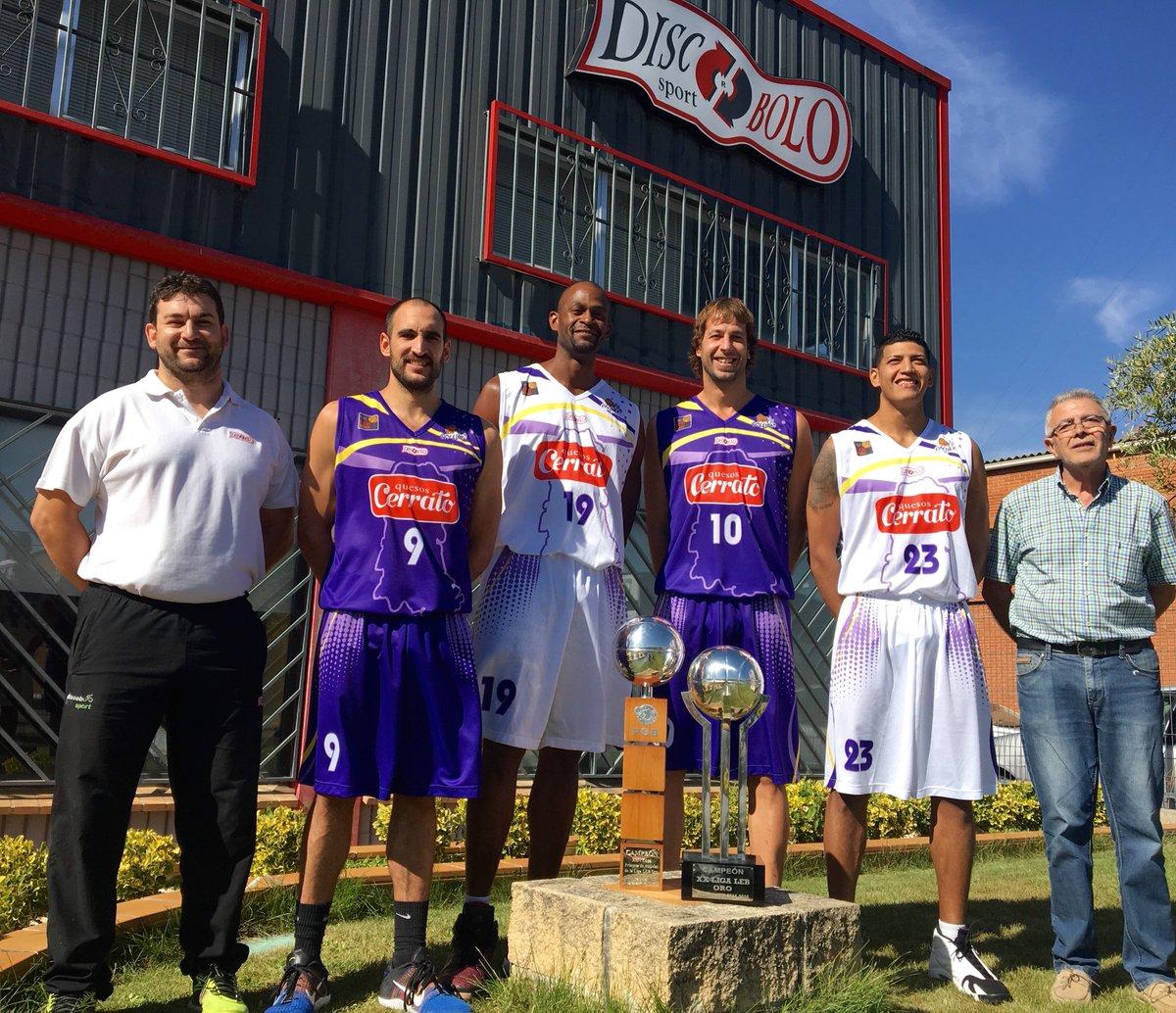 Jhornan Zamora, en la presentación de las nuevas equipaciones de Palencia Baloncesto