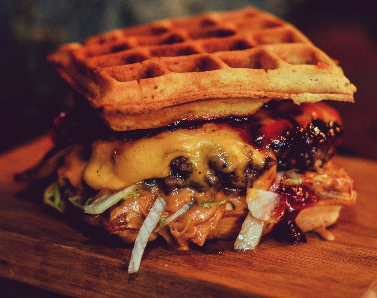 Eggos Waffle burger Waffle, beef patty, American cheese, smoked bacon, peanut butter and jelly with a hint of chilli https://t.co/TMTgcGBf7M