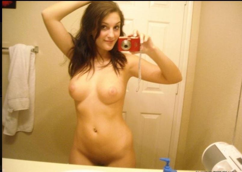 Nude Selfie 8648