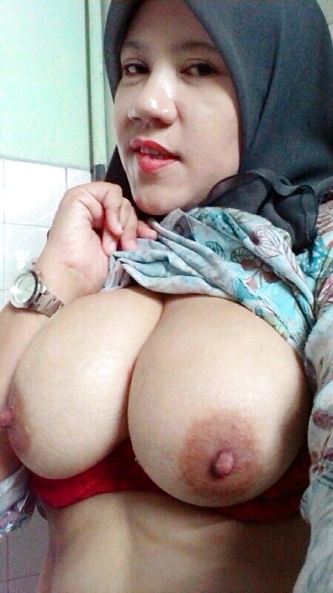 Nude Selfie 8654