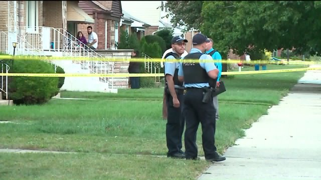 Man killed in apparent home invasion on Southwest Side