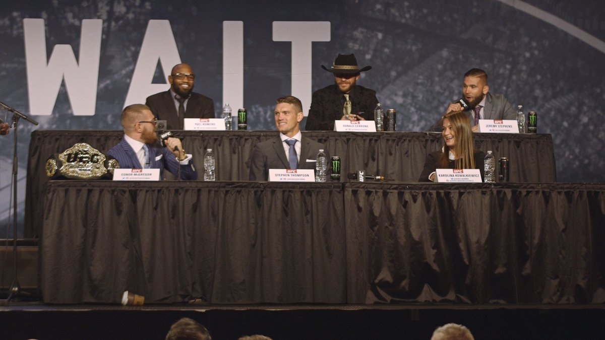 VIDEO: Jeremy Stephens tried to talk trash to Conor McGregor at the #ufc205 presser. It ended very badly for him. https://t.co/xDY1akAigN