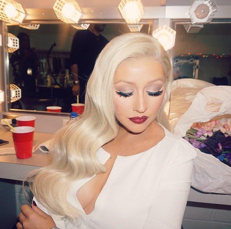 Christina Aguilera - Página 19 CtaF7JRVIAAGyIR