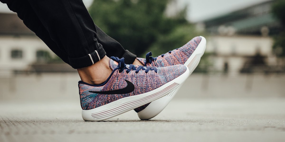 73328af5ce21 ... real authentic nike lunarepic low flyknit loyal blue black blue glow  summit white shop here t