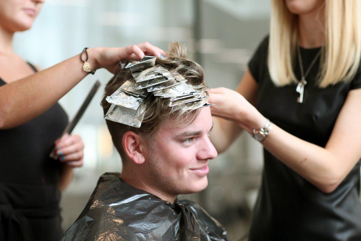 .@Jack_Maynard23 gave us the lowdown on how to do hair dye for guys https://t.co/HDvKWmaQOD https://t.co/QBg3hlwqVS