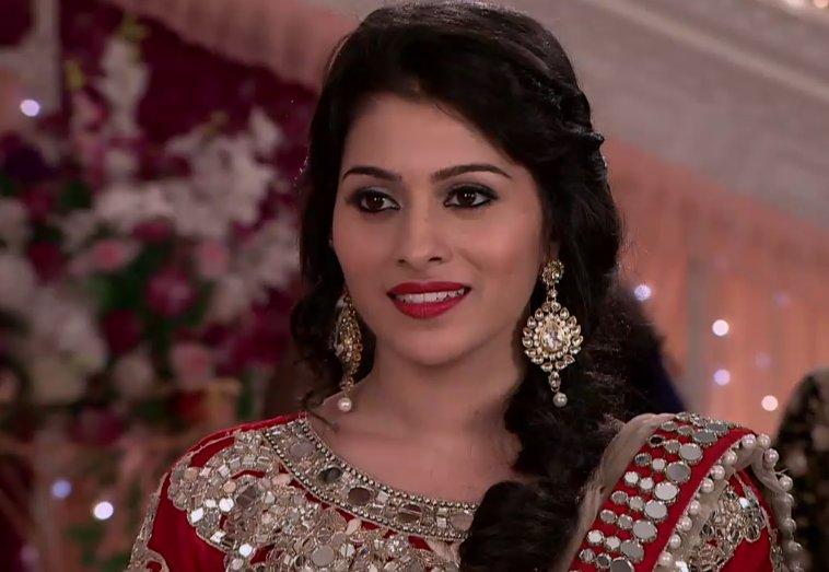 Devika,Aparna Dixit,Life OK,Kalash,serial,images,pics,photos,bridal,HD,Kalash Ek Vishwas,Ambika