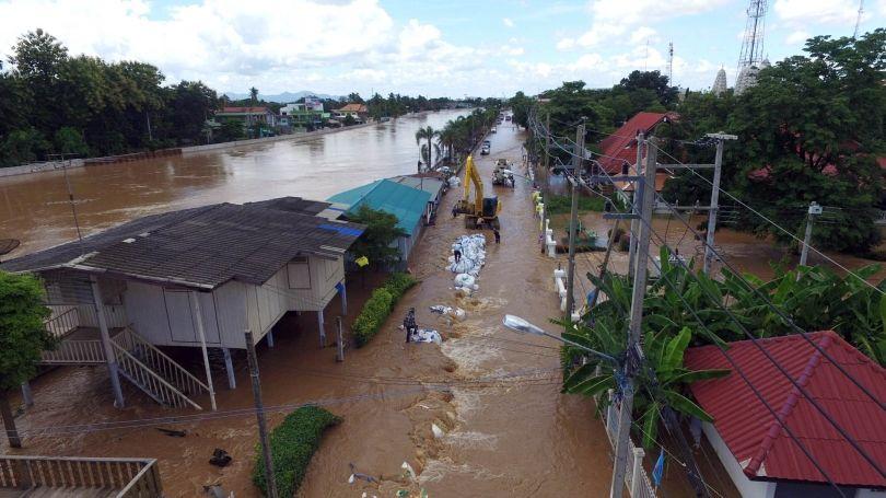 #Thailand #flood 2016- Sukhothai swamped after Yom River bursts its banks https://t.co/ZQEnCV8V5J