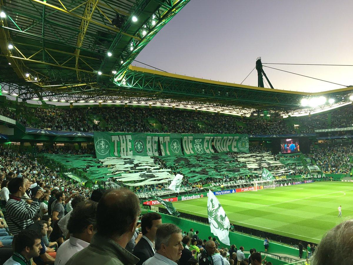 Não há palavras para descrever este ambiente @Sporting_CPpic.twitter.com/alziFmzf29