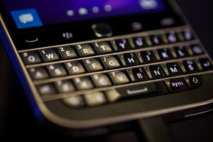 End of an era as Blackberry announces it is to stop making smartphones https://t.co/YjpnBuDTHy via @GerritD