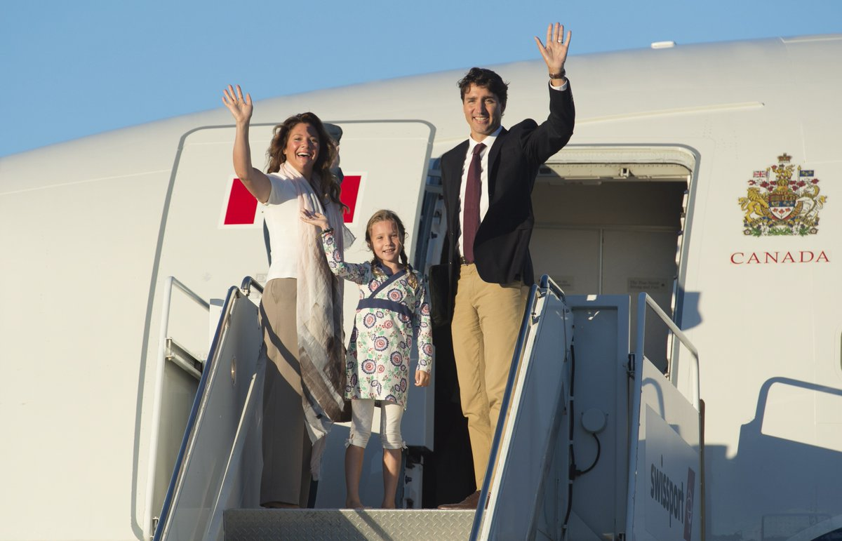 Cost of food and drink on Justin Trudeau's plane? About $1,300 per person
