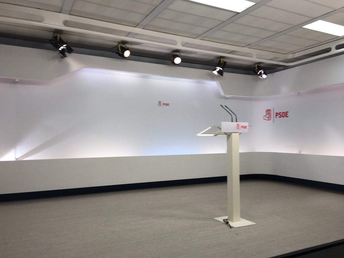 [PSOE] COMPARECENCIA DE PEDRO SÁNCHEZ EN FERRAZ 70 CtdLonmWYAANn--