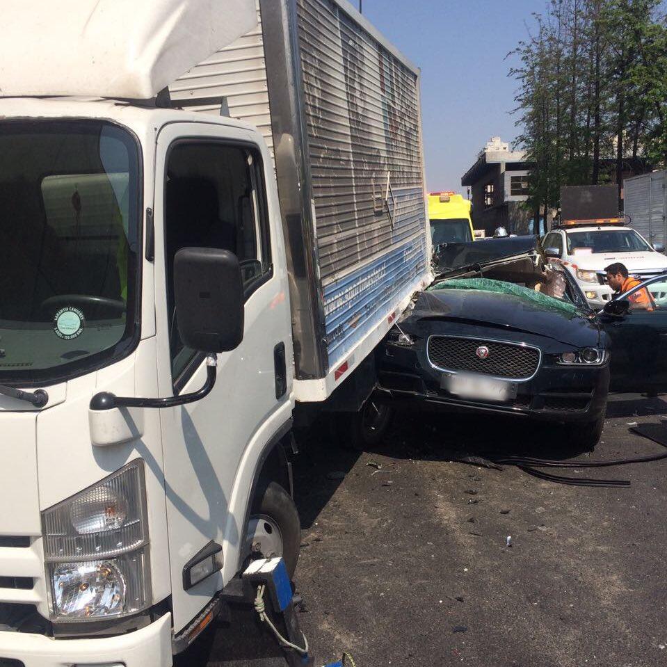@cbsantiago CBS trabajó en rescate vehicular en Autopista Central y Toesca. Un fallecido y 1 herido