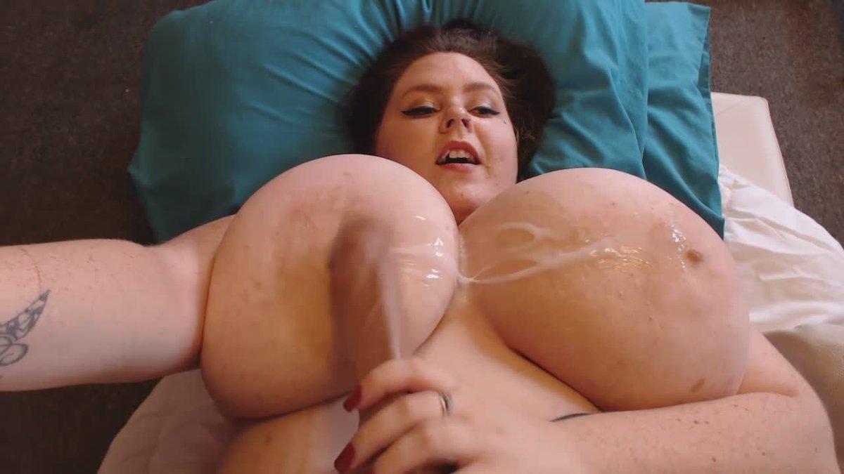 Titfuck huge tits