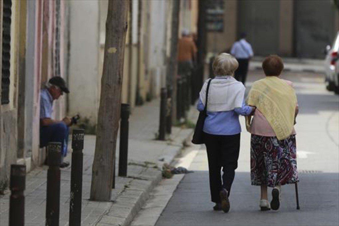 Resultado de imagen de El 60% de les persones grans de Catalunya no arriben a final de mes