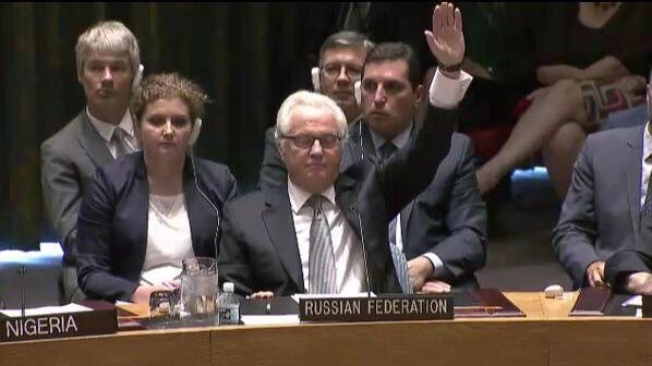 Hands up if you got something to hide. Bron: @DarthPutinKGB