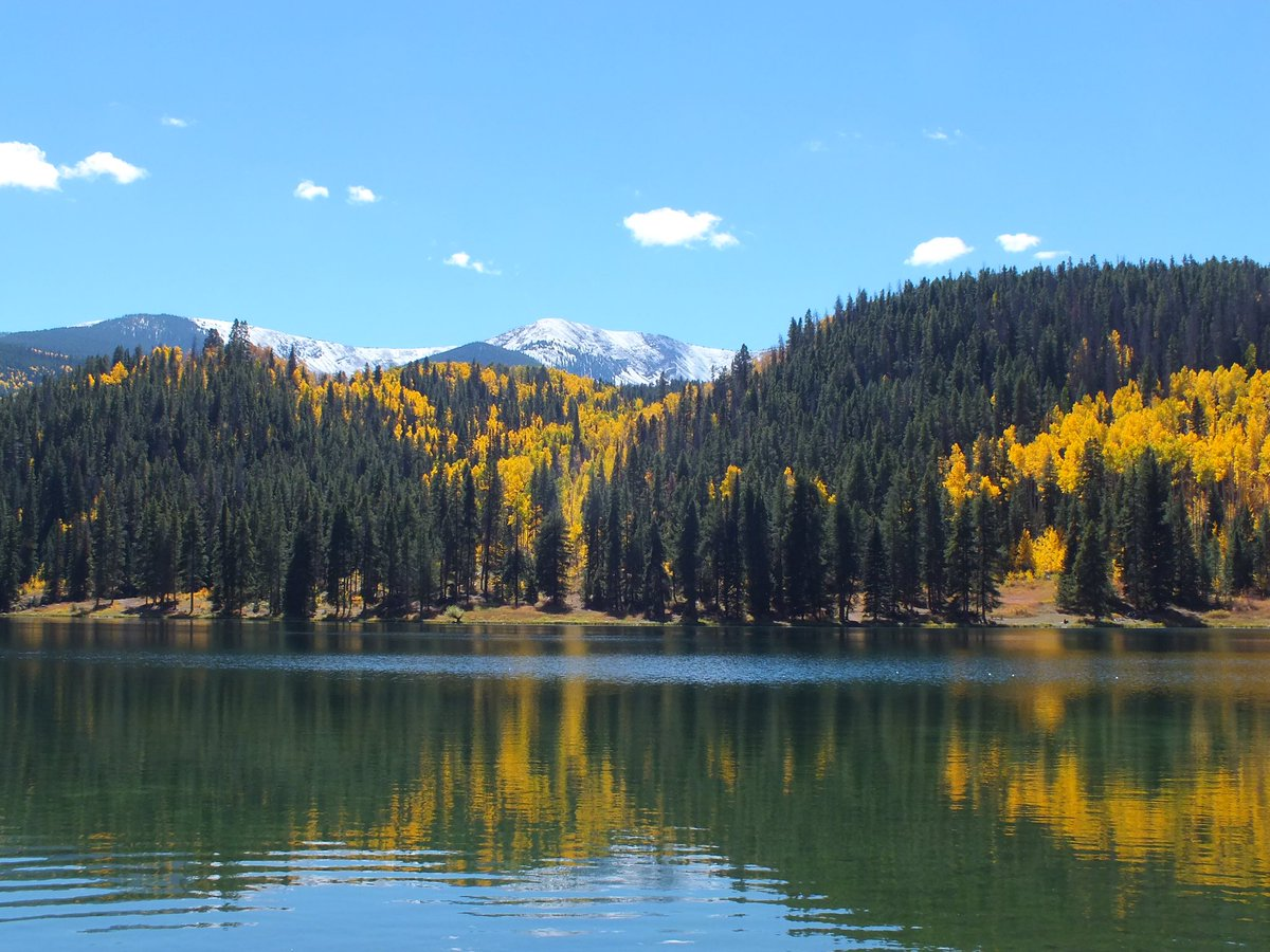 Sylvan Lake near Eagle. Pic from CBS4 Weather Watcher Lynne Ronk.COwx 4wx FallColor