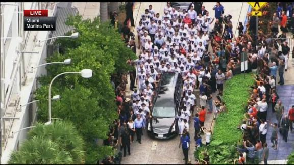 Strangers pay respects to 'friend,' late Marlins ace Jose Fernandez