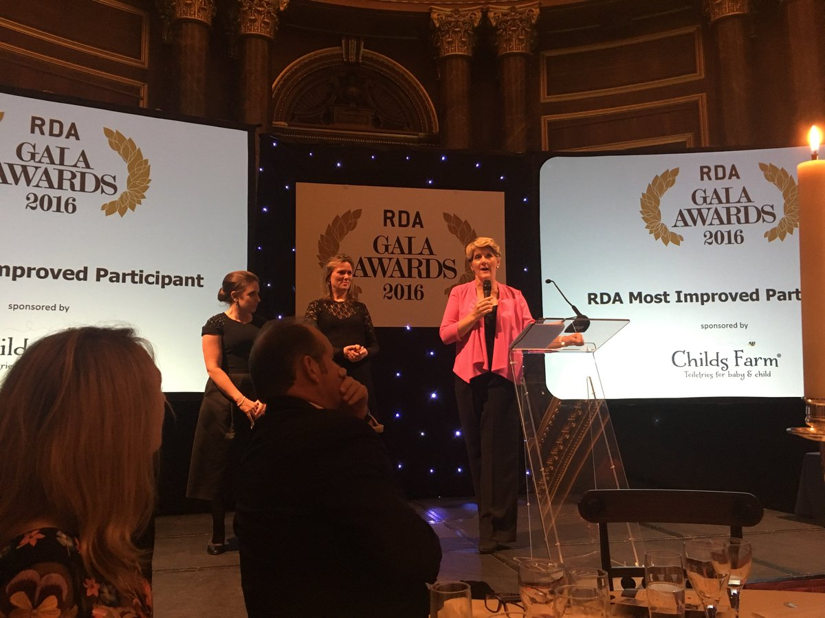 Brilliant evening with @clarebalding Celebrating the phenomenal people at @RDAnational! https://t.co/gjagtaSyTb