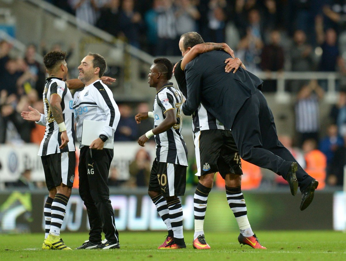 Did this ever happen to Rafa at full time at @valenciacf_en or @realmadriden? #NUFC https://t.co/OmPM058Cwl
