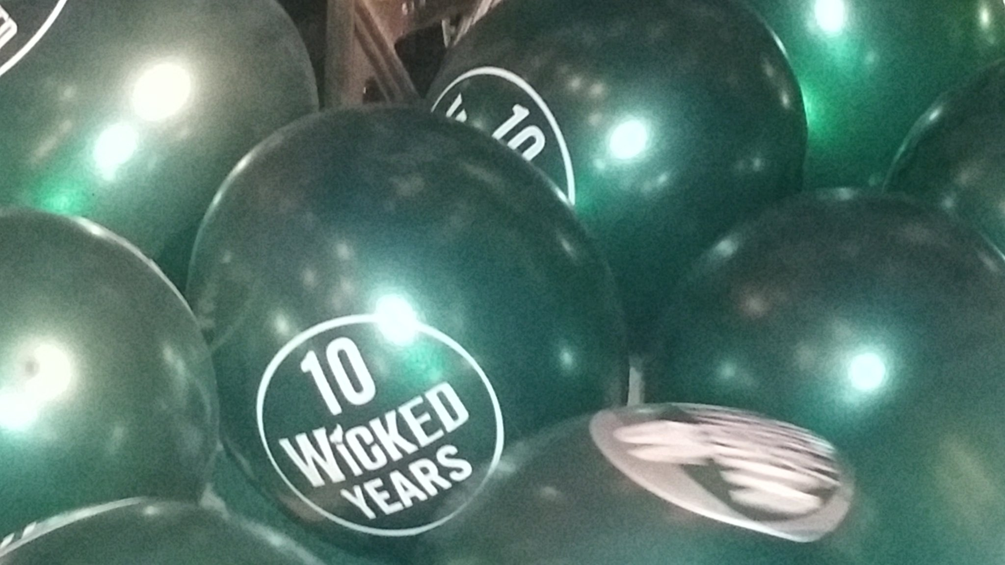 Fantastic celebration of 10 years of @WickedUK last night. WELL DONE everyone. A superb performance. https://t.co/Nm9Y0wGuXn