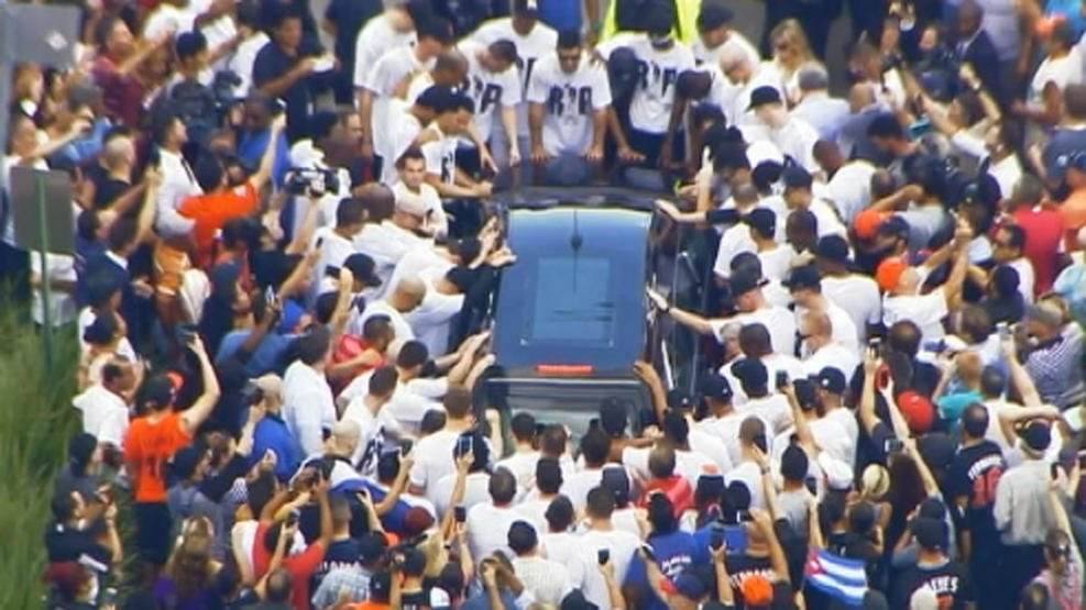 Emotional scene at Jose Fernandez funeral procession
