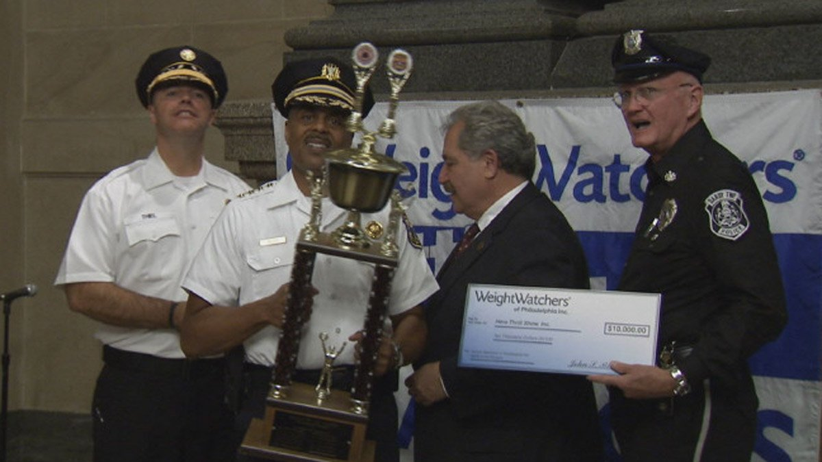 @PhillyPolice win Battle of the Badges weight loss challenge