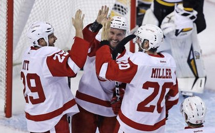 Red Wings rout Bruins 5-1 to go 2-0 in preseason