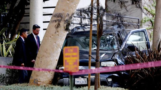 LAPD shoot man who escaped from police custody during medical visit at USC hospital