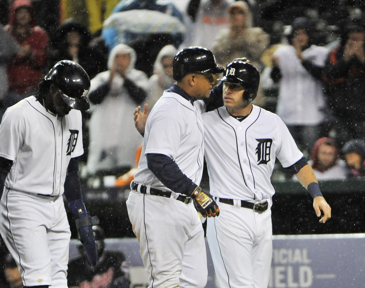 FINAL: Tigers 6, Indians 3 (5 innings); Detroit remains a game back for second wild-card spot