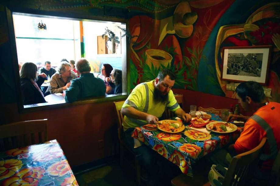 1-star Yelp reviews of popular Seattle restaurants