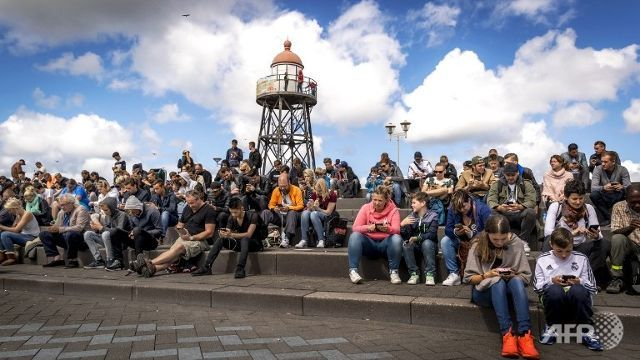 POKEMON NO: Dutch authorities take PokemonGo makers to court as players continue gathering at protected beaches