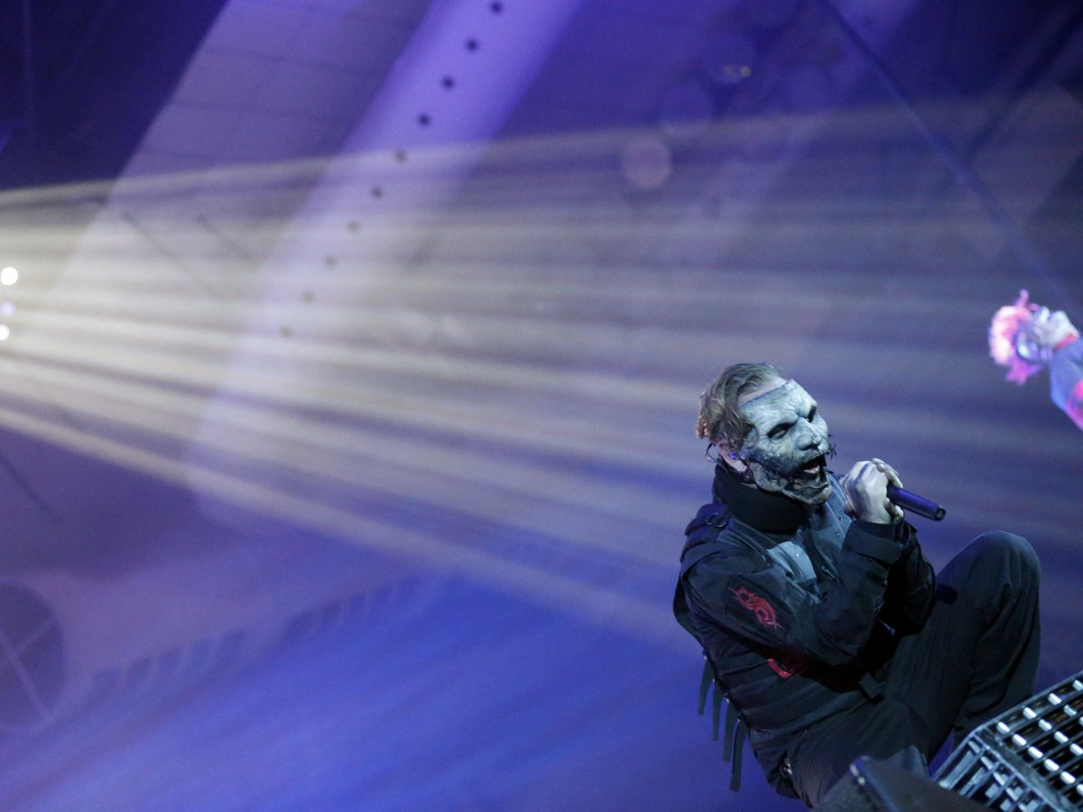 by @rrrutang: Slipknot's Shocking Show & Aggressive Sound at El Paso County Coliseum